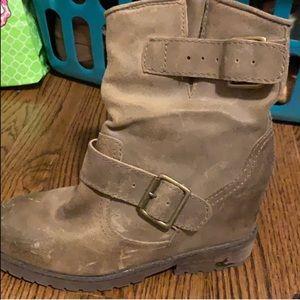 Aldo hidden wedge boot